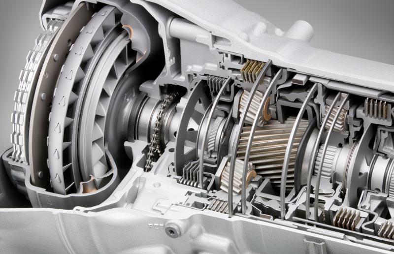 Vzdrževanje avtomatskega menjalnika vključuje redno menjavo olja in filtra menjalnika. Pravzaprav je menjava olja v avtomatskem menjalniku enako pomembna kot menjava motornega olja.